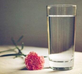 牛皮癣患者补水的方法是什么